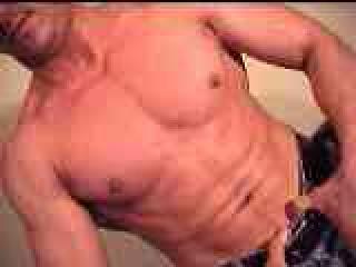Muscular-Bi-Guy Live Cam Snapshot