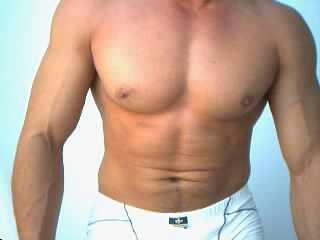 Muscular-Bi-Guy Picture